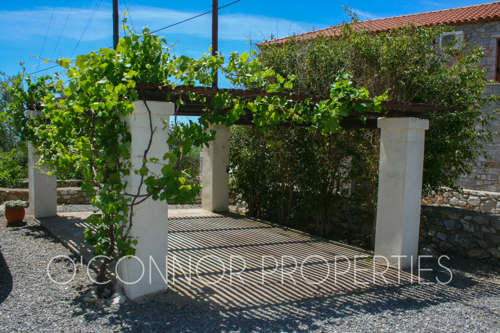 Lovely 2-storey, 4-bed house, with beautiful sea and mountain views, 1.5 km away from Stoupa and extensive amenities. Excellent rental potential! [864] (12 of 28)