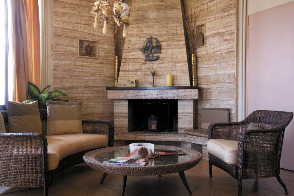 sitting area with fireplace-837